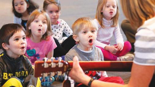 musical-moments-preschool-kids-singing